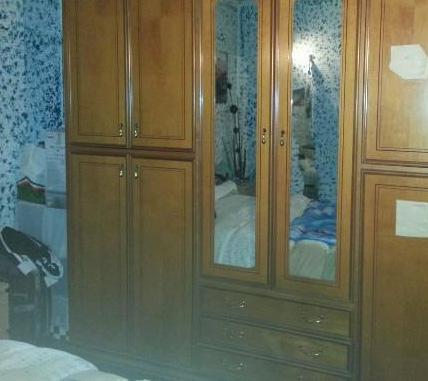 Regalo armadio divano letto e tavolo con sedie milano - Cerco letto a castello in regalo ...